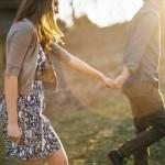【冬季限定】付き合う前のデートで女性と違和感なく手をつなぐには?vol.2