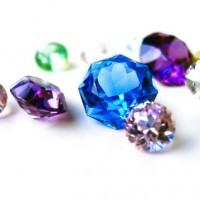 宝石と石ころ