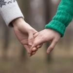 【恋愛相談Vol.36】デートを何回したら手をつなぐべきか?
