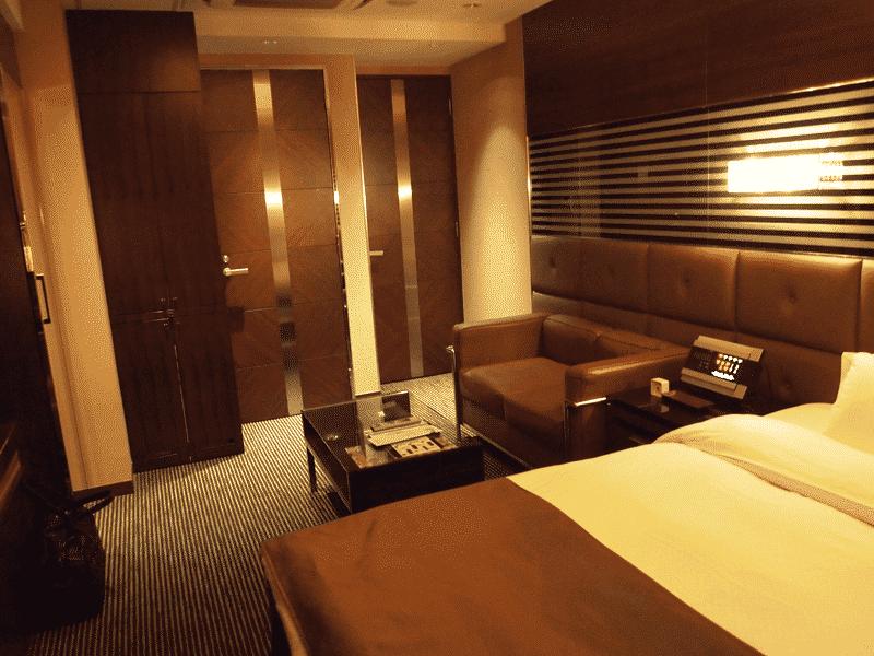 ホテルの一室