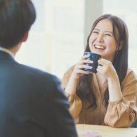 モテる男の会話はなぜ盛り上がる?3つの会話テクニックをセリフ付きで解説